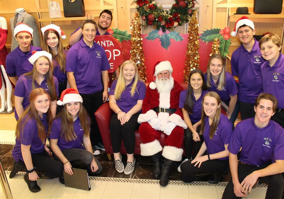 Tower Singers Bring Holiday Cheer